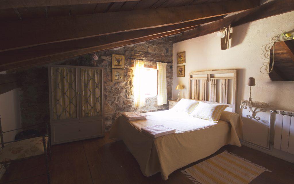 Casa rural PIN Cantabria habitación matrimonio 2